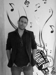Cyril Beltran, chanteur et DJ